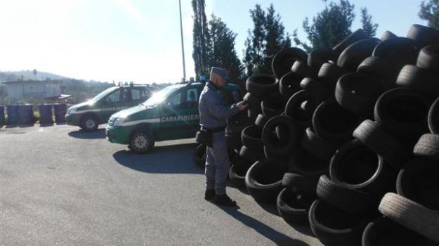 catanzaro, deposito illegale rifiuti, pneumatici, Catanzaro, Archivio