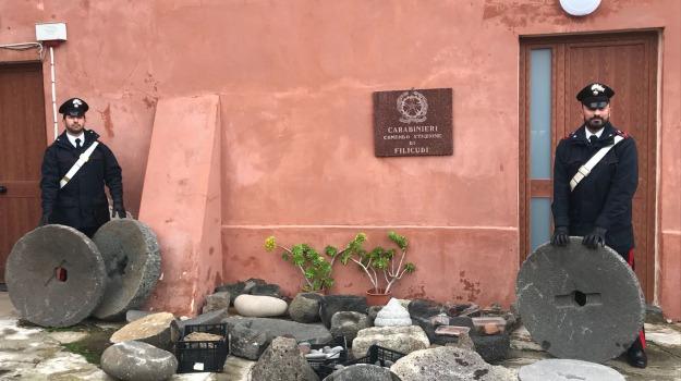carabinieri, eolie, filicudi, furto beni culturali, Messina, Sicilia, Archivio