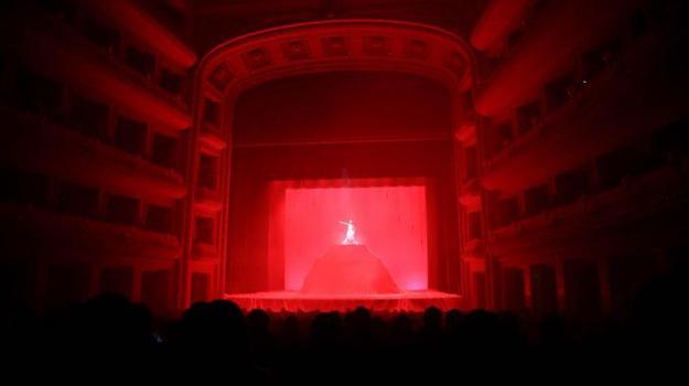 matteo carasco, penelope, scena nuda, Reggio, Cultura