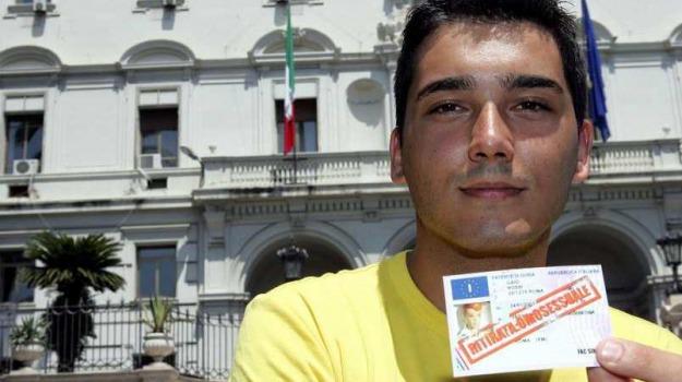 catania, gay, patente sospesa, Sicilia, Archivio