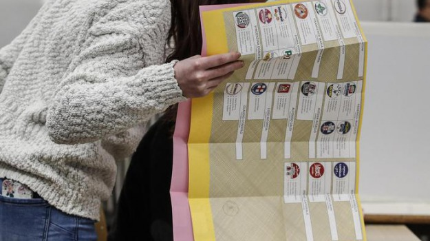 elezioni politiche, palermo, schede sbagliate, Sicilia, Archivio