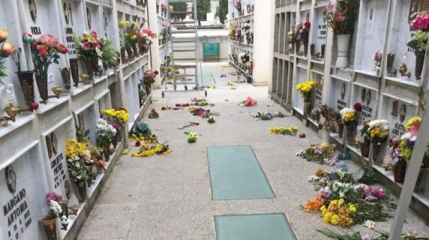 cimitero, furti, reggio calabria, Reggio, Archivio