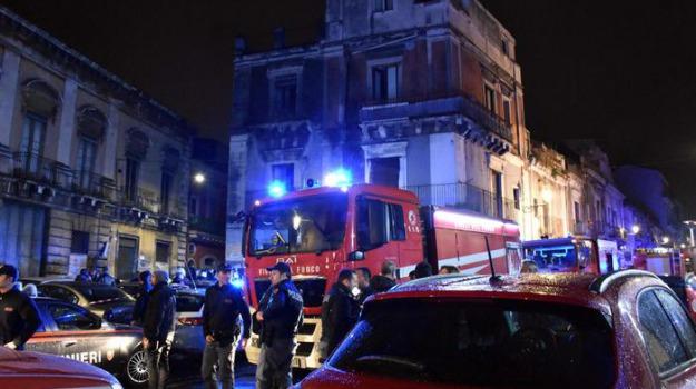 esplosione catania, pompiere, Sicilia, Archivio
