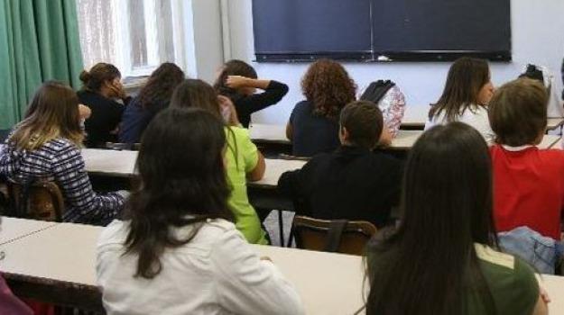 irruzione a scuola, vibo valentia, Catanzaro, Calabria, Archivio