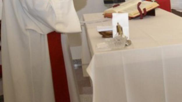 cosenza, messale, ospedale cosenza, pasqua, Cosenza, Calabria, Archivio