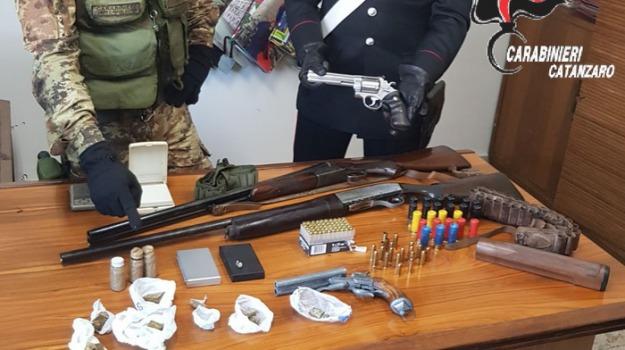 armi, chiaravalle centrale, soverato, Catanzaro, Calabria, Archivio