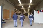 Liberato il capannone nell'area industriale di San Ferdinando