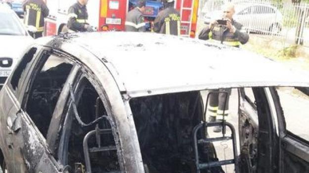 auto bruciata, cipparrone, consigliere, crotone, Cosenza, Calabria, Archivio
