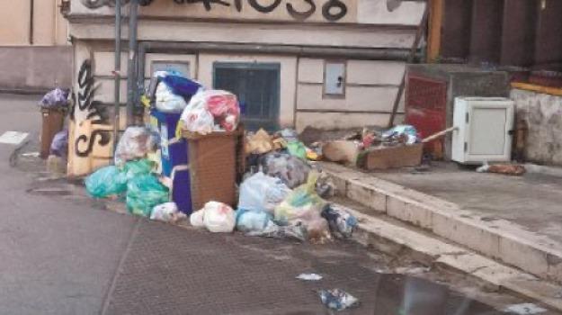 catanzaro, rifiuti, Catanzaro, Archivio