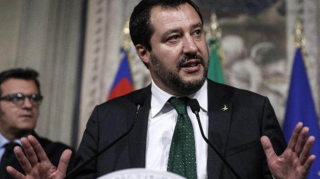 manovra 2018, reddito di cittadinanza, Salvini manovra, tasse salvini, Giancarlo Giorgetti, Luigi Di Maio, Matteo Salvini, Sicilia, Politica