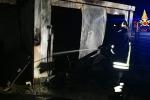 Incendio in un cantiere a Catanzaro Lido