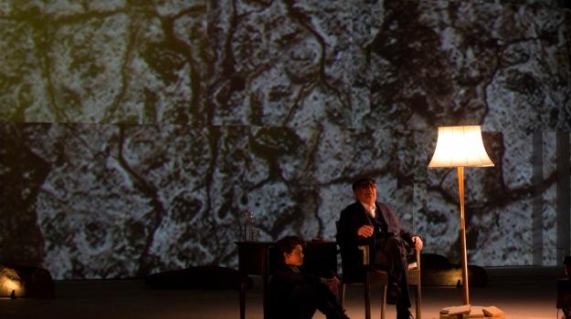 andrea camilleri, anna mallamo, Conversazione su Tiresia, Festival Teatro Antico, Fondazione Inda, Roberto Andò, sellerio, siracusa, Sicilia, Cultura