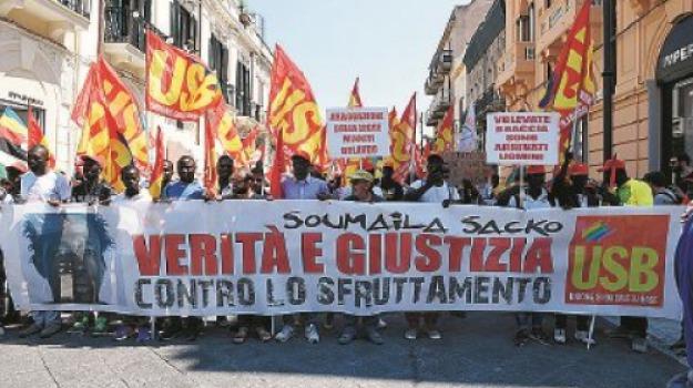 baraccopoli, migrantimsacko, protesta, san ferdinando, Reggio, Calabria, Archivio