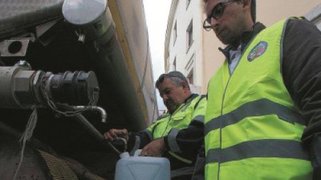 acqua, catanzaro lido, non potabile, Catanzaro, Calabria, Archivio