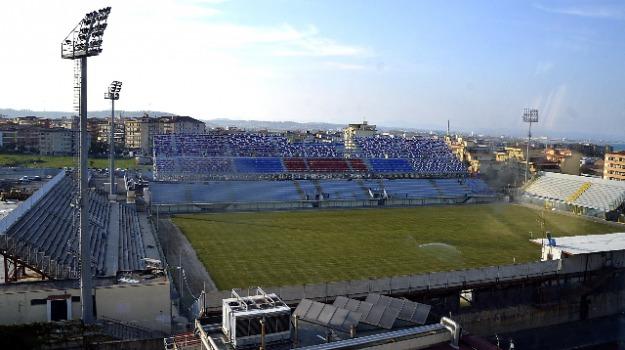crotone, stadio, Catanzaro, Archivio