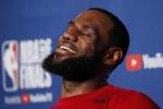 """Michael Jordan incorona LeBron: """"È il migliore di tutti"""""""