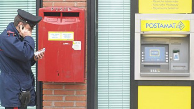 aggressione, campofelice di roccella, palermo, ufficio postale, Sicilia, Archivio