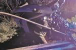 Auto contro guardrail, tre ragazze ferite