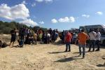Sbarcano in Calabria 56 migranti, soccorsi dai vacanzieri