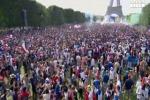 Mondiali, a Parigi l'esultanza dei tifosi