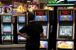 Slot-machines, a Scalea controlli e multe per 140.000 euro