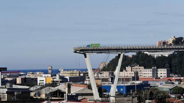 crollo ponte genova, Danilo Toninelli, Sicilia, Politica