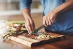 La cucina, uno dei 5 luoghi dove ci si puo' prevedere cura della propria salute sessuale