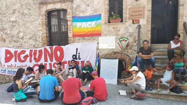 migranti, mimmo lucano, riace, sciopero della fame, sindaco, Reggio, Calabria, Archivio