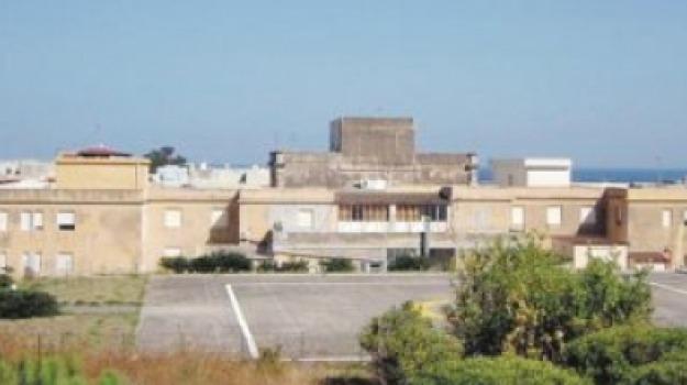 lipari, parto, punto nascite, Messina, Sicilia, Archivio