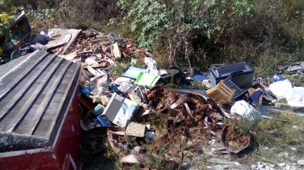 discarica illegale, pietrapaola, rifiuti, Cosenza, Calabria, Archivio