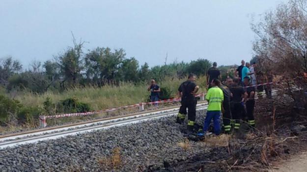 bimbi morti, madre grave, Simona Dall'Acqua, treno, Reggio, Calabria, Cronaca