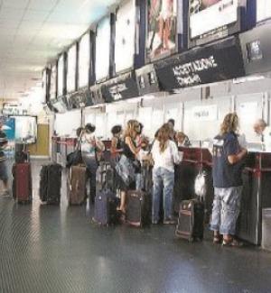 Aeroporto Reggio, ridotti i voli per Roma