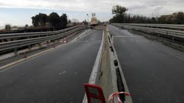7 tonnellate e mezzo, stop tir, viadotto Allaro, Reggio, Calabria, Archivio