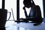 Emicrania, da disturbo a malattia cronica: tutti i sintomi e come curarla