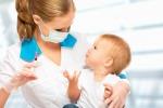 Un bambino prima della vaccinazione