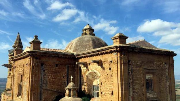 casa e un euro, sambuca di sicilia, Sicilia, Economia