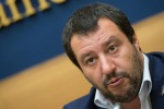 Caso Diciotti, la Procura di Catania chiede l'archiviazione per Salvini
