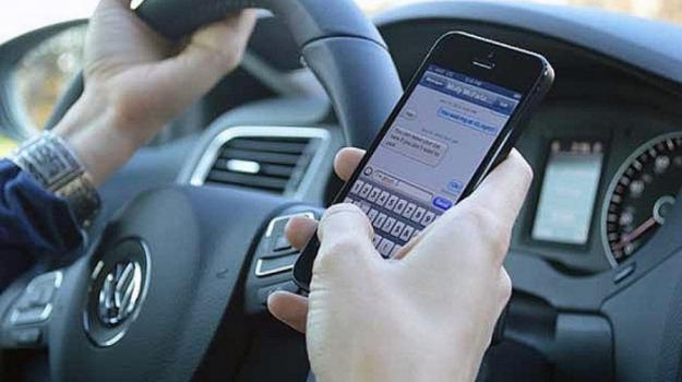 alla guida col cellulare, polstrada, servizi di prevenzione, sicurezza stradale, Reggio, Calabria, Cronaca