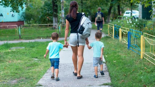 bonus baby sitter, congedo parentale, pd, Sicilia, Economia