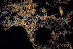 Napoli al primo posto tra le più belle immagini della Terra vista dallo spazio del 2017, selezionate dalla Nasa (fonte: NASA)