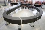 Il magnete superconduttore destinato al reattore sperimentale Iter, nello stabilimento della Asg Superconductos a La Spezia (fonte: ASG Superconductors)