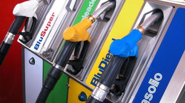 benzina, pasqua, Sicilia, Economia