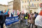Una delegazione dei precari dell'Istituto nazionale di astrofisica (Inaf) alla manifestazione di oggi a Roma (fonte: Media Inaf/Twitter)