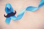Il nastro blu, simbolo della lotta al cancro alla prostata