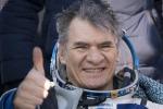 L'astronauta Paolo Nespoli subito dopo il rientro a Terra dalla missione VIta, il 14 dicembre 2017 (fonte: ESA, NASA)