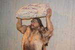 Modello di neanderthaliano esposto in Germania, nel Museo dell'uomo di Neanderthal a Mettmann (fonte: Neozoon)