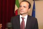 Messina, il sindaco De Luca rinvia l'incontro con i sindacati ed è polemica