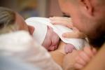 Troppi cesarei per mamme italiane, primo figlio a 31 anni
