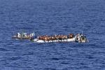Naufragio nel Mediterraneo, salvati tre migranti ma nessuna traccia degli altri a bordo