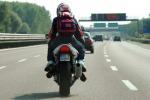 Patente di guida, prove pratiche in velocità per i motociclisti: le novità